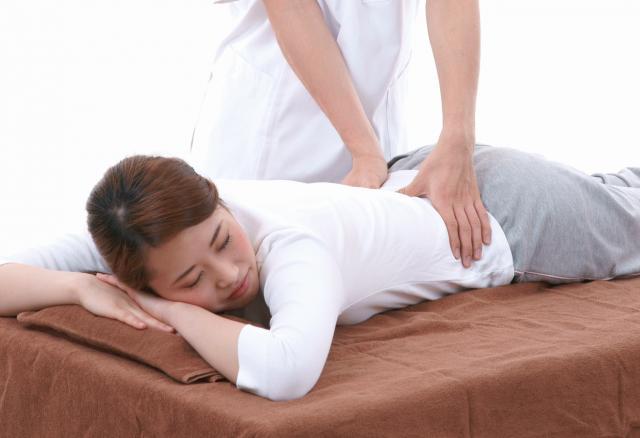 筋肉の硬直を取り腰痛を改善します